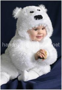 knitted suit for a child