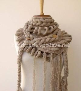 вязаный шарф с косами