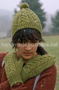 зелёная шапка и варежки